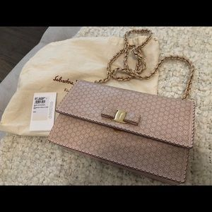 Ferragamo ginny lace bag in light pink